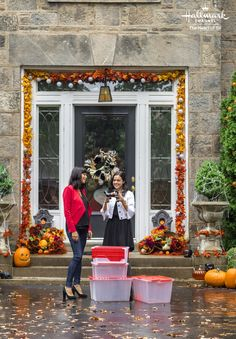 Good Witch: Spellbound – Cassie (Catherine Bell) and Grace (Bailee Madison) deco… Good Witch: Spellbound – Cassie (Catherine Bell) and … The Good Witch Series, Witch Tv Series, Witch Film, Good Witch Halloween, Fall Halloween, Halloween Ideas, Hallmark Good Witch, Tv Show Casting, Catherine Bell