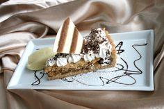 American Pie @ ARCOTEL Allegra Zagreb Vienna Hotel, Food Porn, Hotels, American Pie, Best Rated, Restaurant, Fine Dining, Ethnic Recipes, Desserts