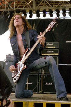 Cliff Burton born Clifford Lee Burton (Metallica, Agents of Misfortune, Trauma. Jason Newsted, Cliff Burton, Robert Trujillo, Metallica, James Hetfield, Rickenbacker Bass, El Rock And Roll, Ride The Lightning, Dave Mustaine