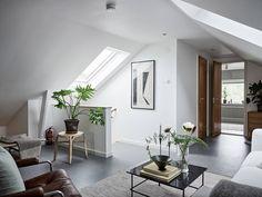 Välskött 1950-talsvilla med underbar trädgård nära Härlanda tjärn - Stadshem Villa, House, Furniture, Design, Home Decor, Decoration Home, Home, Room Decor