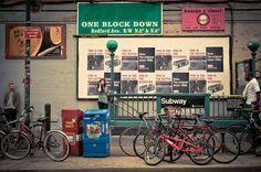 Cuando está lindo, #Camila prefiere la bici al Subway. #ConcursoBellmurJeans   The Bedford Avenue subway station in Williamsburg, Brooklyn, New York, 2010.