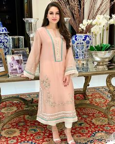 Image may contain: one or more people and people standing Pakistani Fashion Party Wear, Pakistani Wedding Outfits, Simple Pakistani Dresses, Pakistani Dress Design, Dress Indian Style, Indian Dresses, Velvet Dress Designs, Bridal Lehenga Collection, Designer Party Wear Dresses