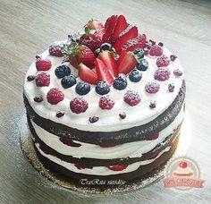 Oreo, Birthday Cake, Sweets, Cookies, Eat, Food, Chocolate Cakes, Women's Fashion, Drink