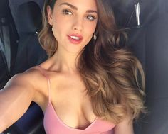 Eiza Gonzalez Is A Drop Dead Gorgeous Actress and Model Beautiful Girl Image, Gorgeous Women, Beautiful Celebrities, Beautiful Actresses, Celebrity Beauty, Woman Crush, Beauty Women, Outfit, Stylish Clothes