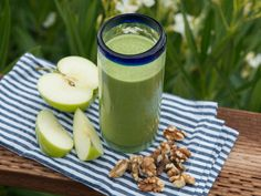 Dietician Sarah Lefkowitz shares her favorite green juice. #healthy