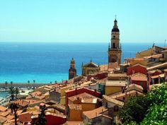 Menton se encuentra en la región fronteriza junto a Mónaco y el Norte de Italia, las cuales fueron fundadas en el mismo período por los ligures, varios siglos antes de Cristo.