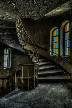 The Princely Hotel - - Discovering Secret Places! # offers photo tours to abandoned places in & Surroundings Old Buildings, Abandoned Buildings, Abandoned Places, Stairway To Heaven, Secret Places, Abandoned Mansions, Haunted Places, Stairways, Old Houses