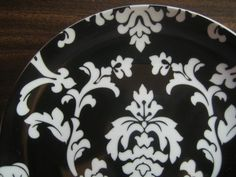 White on Black Damask Exotic Wallpaper Scroll Decorative Plate B Edge…