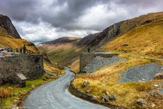 Road to Buttermere via Honister Pass. Lakes, Country Roads, Green, Ponds