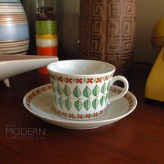 Upsala Ekeby Linda Percy Cup and Saucer Fika, Porcelain Ceramics, Scandinavian Style, Teacups, Retro, Cup And Saucer, Love Food, Tea Party, Pottery