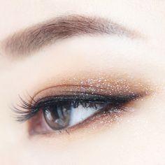 50 Ideen Make-up Hochzeit Smokey Winged Eyeliner - Makeup Tips Summer Glitter Makeup, Prom Makeup, Cute Makeup, Gorgeous Makeup, Wedding Makeup, Asian Makeup Prom, Glitter Eyeshadow, Gold Glitter, Sparkle Makeup