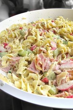THIS ladies and gentlemen … THIS is a super tasty recipe. And very suitable for the time of the year: cold food namely … A pastasa … Clean Eating, Healthy Eating, Lunch Snacks, Healthy Crockpot Recipes, Cooking Recipes, Diet Food To Lose Weight, Lunch Restaurants, Healthy Breakfast Recipes, Pasta Recipes