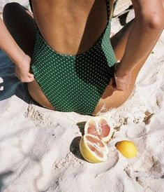 Where to buy best plus size swimsuits or tummy control swimwear? Cheap thong bikini swimwear, high waisted swimsuits, triangle swimsuit and maternity bathing suits, all in NewChic! Summer Vibes, Summer Feeling, Easy Style, Bikini Modells, Summer Aesthetic, Aesthetic Style, Retro Aesthetic, Mode Inspiration, Travel Inspiration