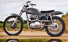 Named for the King of Cool himself, the Steve McQueen Metisse Desert Racer Motorcycle is undoubtedly built for speed. Movie star and motorcycle racer Steve British Motorcycles, Cool Motorcycles, Triumph Motorcycles, Vintage Motorcycles, Triumph 650, Triumph Scrambler, Enduro Vintage, Vintage Motocross, Vintage Bikes