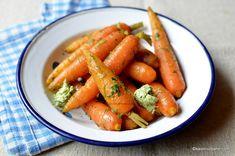 Morcovi la aburi cu unt sau de post - cum se gătesc legumele la abur? | Savori Urbane Yummy Food, Yummy Recipes, Carrots, Side Dishes, Healthy, Alice, Fitness, Tasty Food Recipes, Delicious Food