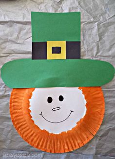 Leprechaun paper plate art project -st patricks day craft for kids! | CraftyMorning.com