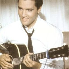 """Elvis Presley as pilot Mike Edwards in his twelfth film """"It Happened at the World's Fair"""" (MGM) - 1962 Elvis Today, Graceland Elvis, King Creole, Burning Love, Elvis Presley Photos, World's Fair, Photos Du, Rare Photos, Good Looking Men"""