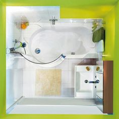 overhead view of the walk in shower/tub combo. i need this!