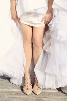 Bridal Shoes by Valentino. Photo by Axioo. www.theweddingnotebook.com