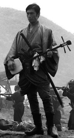 高杉晋作 Modern samurai in katana and shamisen. Japanese History, Japanese Culture, Antique Photos, Old Photos, Vintage Japanese, Japanese Art, Geisha, Samurai Weapons, Japan Photo