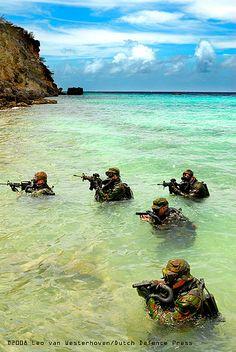 dutch marines commandoes   Dutch SF-operators train in the Caribbean