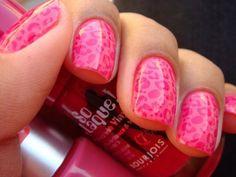 Pink leopard nails