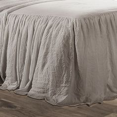 Shop Lush Decor Ruffle Skirt Bedspread Set - On Sale - Overstock - 22543761 - King - Neutral Ruffle Bedspread, Ruffle Skirt, Dust Ruffle, Guest Bedrooms, Master Bedroom, Country Bedrooms, Guest Room, Farmhouse Bedrooms, Country Bedding