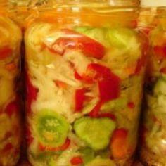 Salata de iarna Canning Pickles, Diet Recipes, Healthy Recipes, Hungarian Recipes, Romanian Recipes, Winter Salad, Romanian Food, Canning Recipes, Saveur