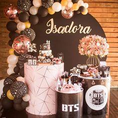 Bts Birthdays, First Birthdays, Birthday Decorations, Birthday Party Themes, Birth Cakes, Bts Cake, Fun Sleepover Ideas, Album Bts, Baby Girl First Birthday