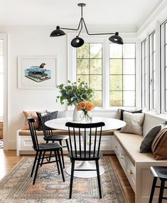 Future Home Interior Modern built-in breakfast nook with banquette seating - design by Casey Keasler Dining Room Design, Modern Dining Room, House Interior, Casual Dining Rooms, Home, Cheap Home Decor, Interior, Living Room Dining Room Combo, Home Decor
