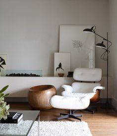 white leather chair #midcenturymodern #livingroom #homedecor #interiordesign