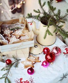 Christmas Cookies 🍪 to Bake This Holiday Season ☃️ . Christmas Photo, Noel Christmas, Merry Little Christmas, Christmas Images, Pink Christmas, Country Christmas, All Things Christmas, Winter Christmas, Christmas Cookies