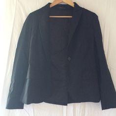 Theory black blazer, sz 6 Black theory jacket basically brand new, size 6 Theory Jackets & Coats Blazers
