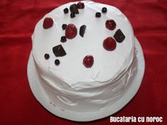 Tort de bezea - Bucataria cu noroc Noroc, Desserts, Sweets, Tailgate Desserts, Deserts, Postres, Dessert, Plated Desserts