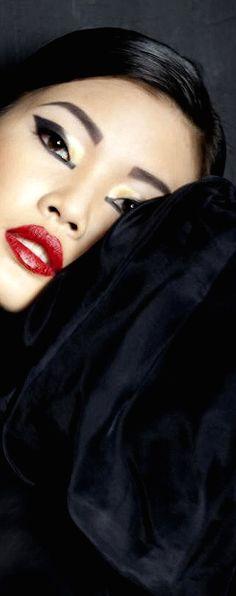Perfect Red Lip - Inna Erten