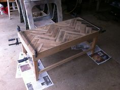 How to make a table from pallets with a chevron pattern