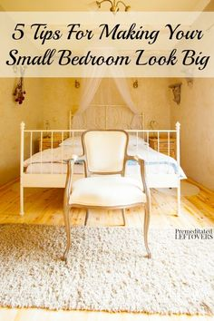 I have an from 1925 so my room is smaller. I would love to make it brighter and bigger. -> 5 Tips For Making Your Small Bedroom Look Big - Here are some tips and and tricks to make your small bedroom feel more spacious. Beautiful Bedrooms, Bedroom Makeover, Bedroom Design, Cheap Home Decor, Home Decor, Small Room Bedroom, Small Bedroom, Simple Bedroom, Home Decor Tips