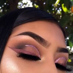 Exceptional Beauty detail are readily available on our web pages. Read more and you wont be sorry you did. Makeup Looks For Brown Eyes, Makeup Eye Looks, Cute Makeup, Glam Makeup, Gorgeous Makeup, Makeup Inspo, Makeup Inspiration, Eyeshadow Looks, Beauty Makeup