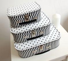black and white children´s Decorative Boxes, Basket, Suitcases, Black And White, Children, Home Decor, Black White, Homemade Home Decor, Blanco Y Negro