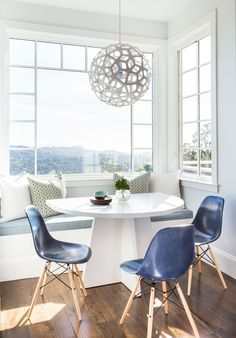 Home Tour: A Bright Modern Family House in Marin County, California Photos | Architectural Digest Brekafast nook table