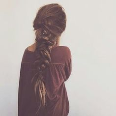Image about fashion in peinados by mms on We Heart It Messy Hairstyles, Pretty Hairstyles, Hairstyle Ideas, Good Hair Day, Bad Hair, Locks, Hair Dos, Gorgeous Hair, Hair Hacks