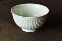 わざわざでは陶芸家 阿部春弥さんの作品を取り扱っています。