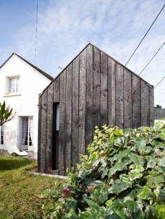 maison chilienne fa on cabanon et son bardage en bois br l fils. Black Bedroom Furniture Sets. Home Design Ideas