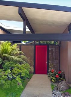 a protected entry without porch or patio for shade or part sun plantings. This is unbelievable! Poss connecting a garage or carport to the main house.