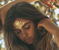 Energia dourada do sol é uma luz feliz dos raios de quentes...~SolHolme~