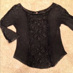 free people top 3/4 quarter sleeve top... comfortable And barley worn Free People Tops Blouses