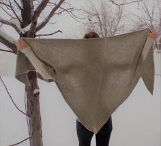 Tenmile Shawl by Jess Gagnon Knits | malabrigo Worsted in Chapel Stone