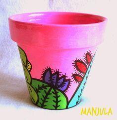 Resultado de imagen para manjula macetas Flower Pot Art, Flower Pot Design, Flower Pot Crafts, Cactus Flower, Clay Pot Projects, Clay Pot Crafts, Painted Clay Pots, Painted Flower Pots, Pots D'argile