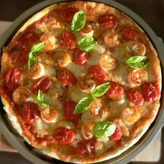 Pizza with shrimps and cherry tomatoes by Apple_cin