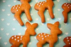 Oh So Lovely Vintage: Fabulous fawn gingerbread cookies, complete with white spots!